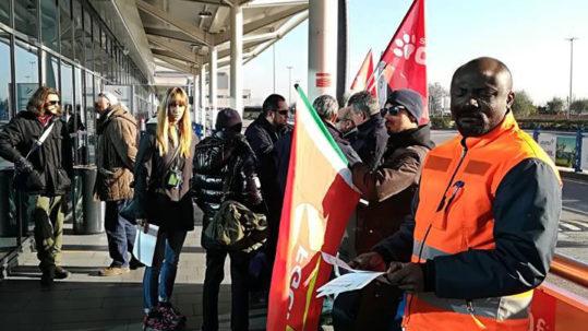 Verona: Presidio dei lavoratori del trasporto aereo