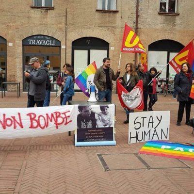 potere al popolo no bombe ferrara