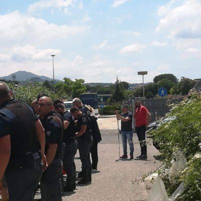 Le intimidazioni di polizia contro chi vuole manifestare