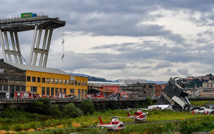 Crollo del ponte Morandi a Genova: Siamo sconvolti, addolorati, ma anche arrabbiati!