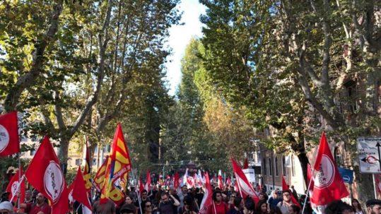 Roma corteo per la nazionalizzazione